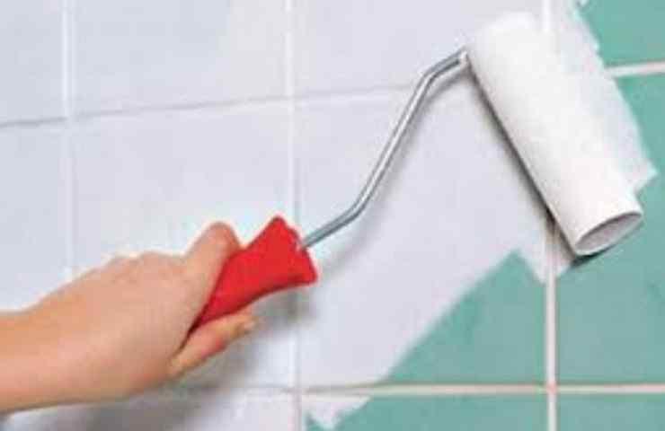 Как покрасить кафельную плитку на полу или стенах