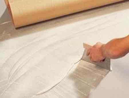 Укладка линолеума на клей