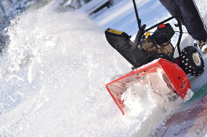 Лучший снегоуборщик – мощность и дополнительные функции