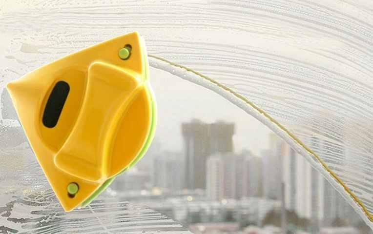 Магнитная щётка для мытья стекол – что это такое?