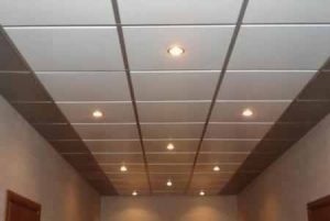 Металлические подвесные потолки — виды, плюсы и минусы