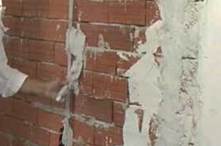 Нанесение штукатурки короед – подготовка стен
