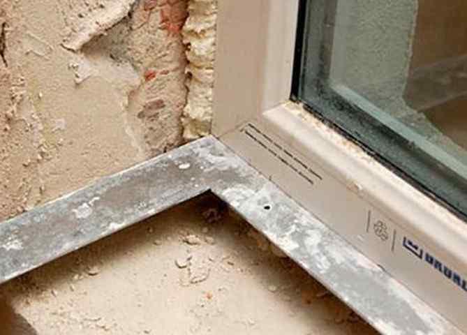 Оштукатуривание дверных и оконных проемов