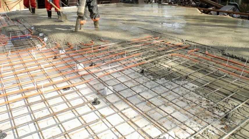 Заливка фундаментной плиты