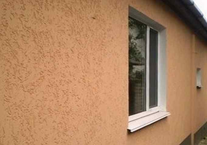 Чем штукатурить дом снаружи
