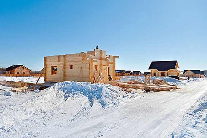 Строительные работы зимой – преимущества и недостатки