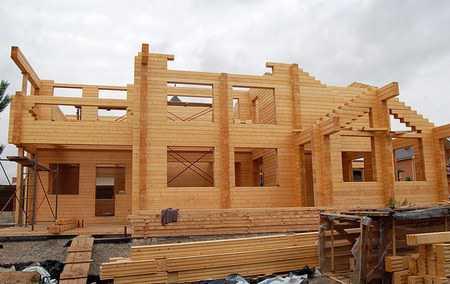 Зимнее строительство домов из бруса - преимущества