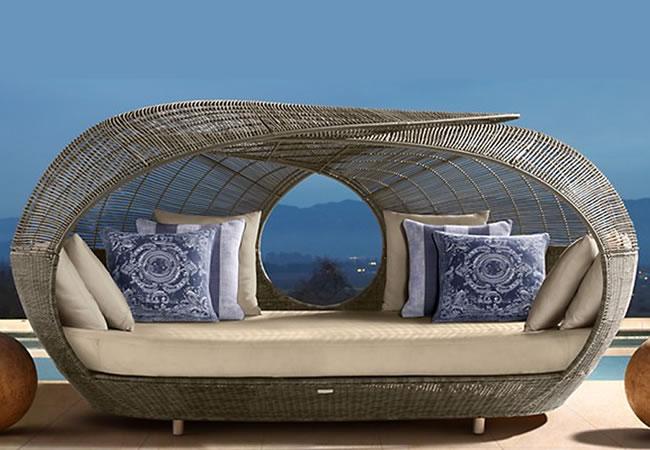 Ассортимент плетеной мебели из ротанга