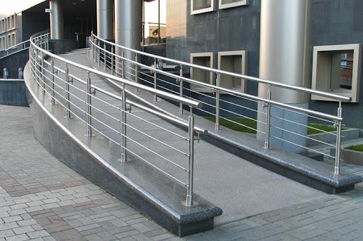 Полный комплекс услуг по металлообработке, проектированию и монтажу лестничных ограждений, поручней, винтовых и маршевых лестниц, и многое другое